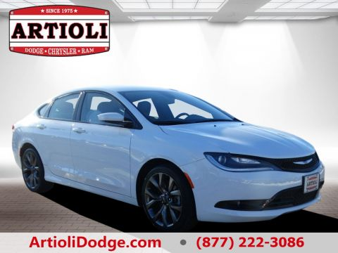 CERTIFIED PRE-OWNED 2016 CHRYSLER 200 S FWD