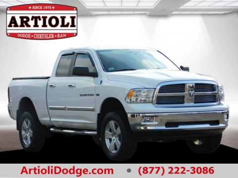 PRE-OWNED 2011 RAM 1500 BIG HORN 4WD