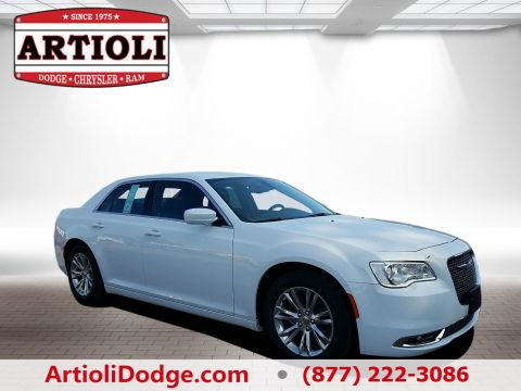 New CHRYSLER 300 Touring L