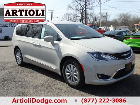 New Chrysler Pacifica Touring-L