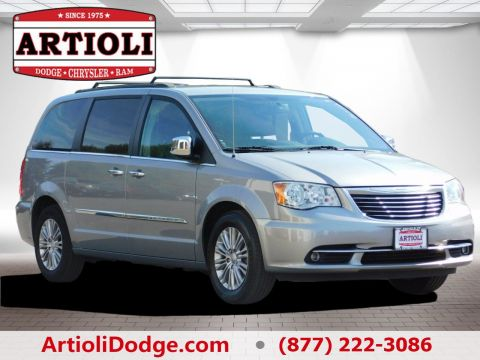 PRE-OWNED 2015 CHRYSLER TOWN & COUNTRY TOURING-L FRONT WHEEL DRIVE